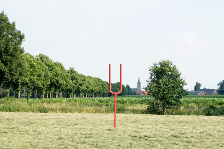 Sprechöse, 2020, Stahl Skulptur vor dem Ort Weseke