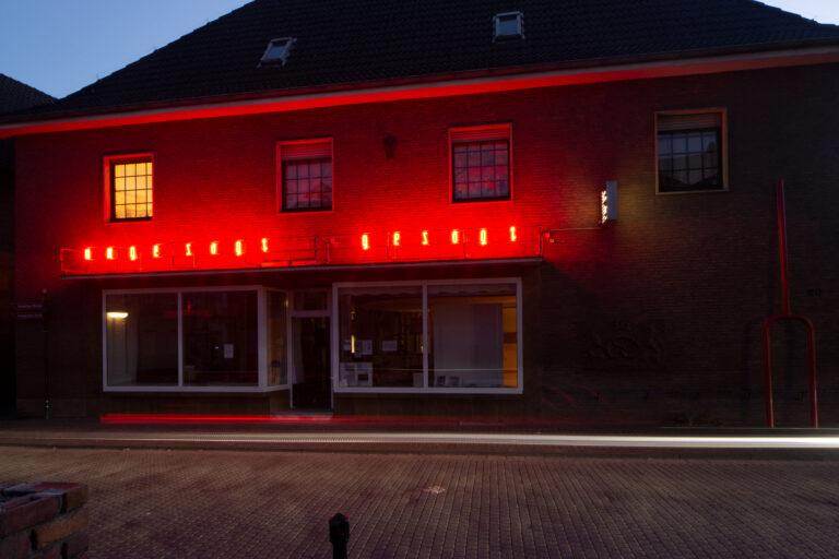 ungesagt gesagt, Neonschrift, Foto: Roland Icking